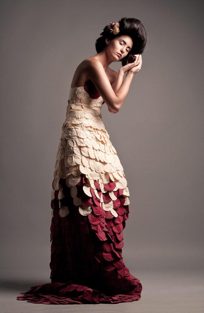 Платья своими руками из газеты на конкурс