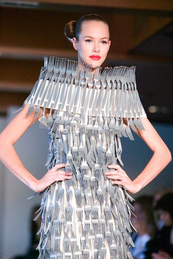 Платье из мусора своими руками на конкурс 52