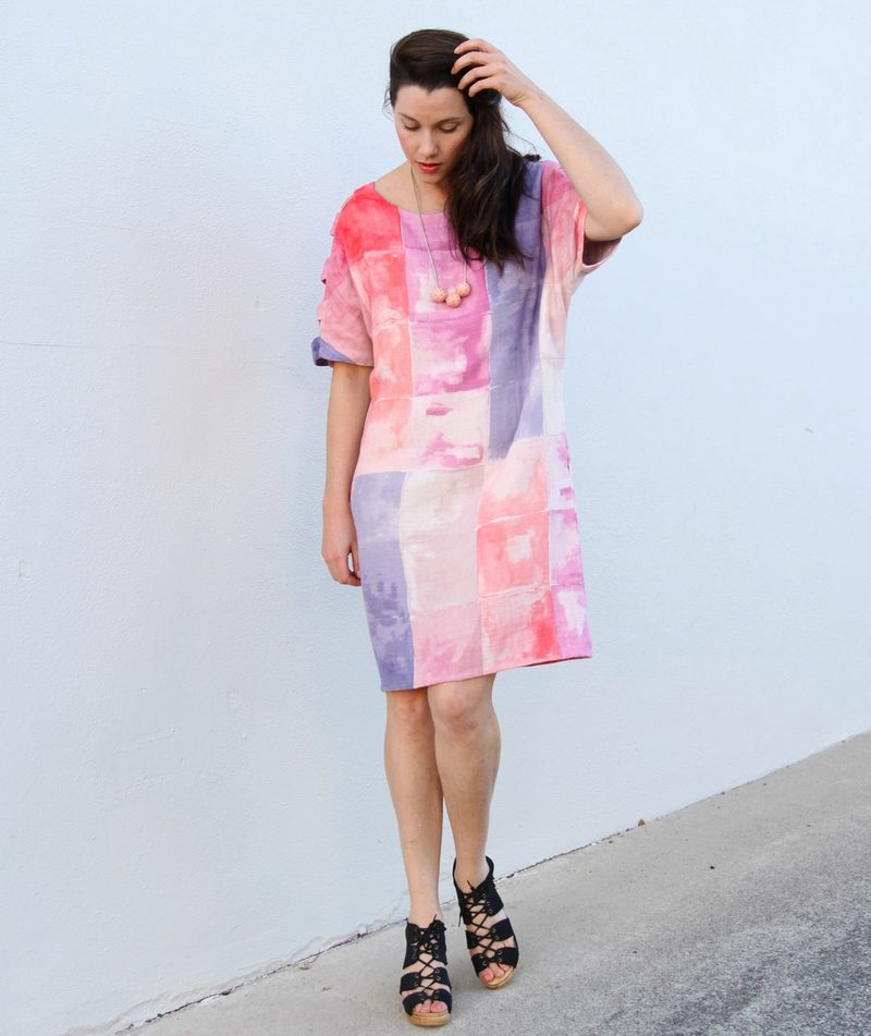78006519cb39886 Платье-мешок: что это и с чем носить платье такого фасона (43 фото)