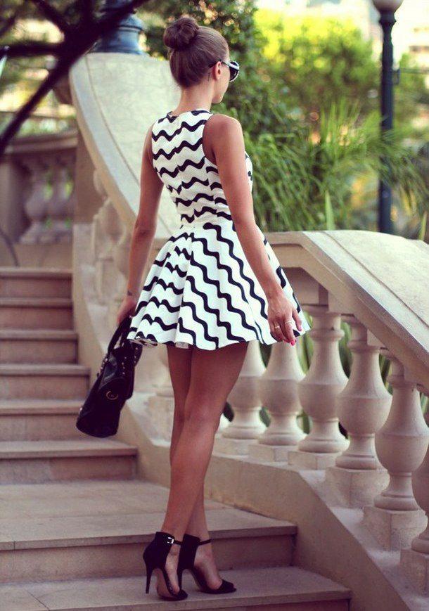 Платье с короткой юбкой солнце фото