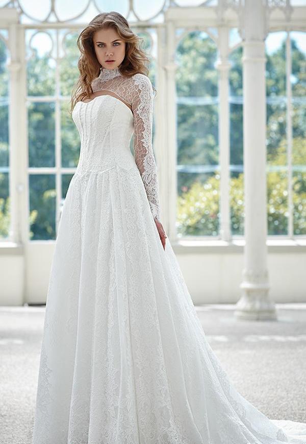 a6a667bde2c Подвенечное платье (60 фото)  самые красивые платья для венчания в ...