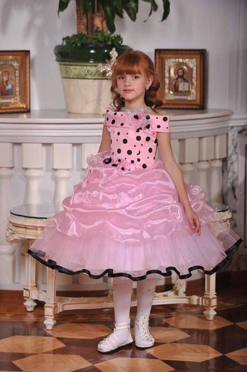 Красивые платья с перчатками для девочек