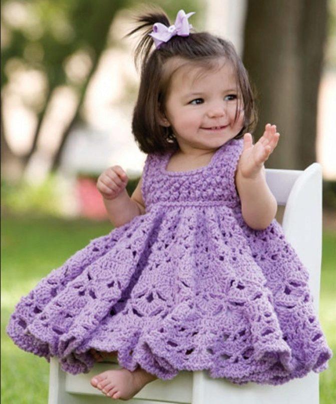 Вязаное платье крючком на девочку 2 лет
