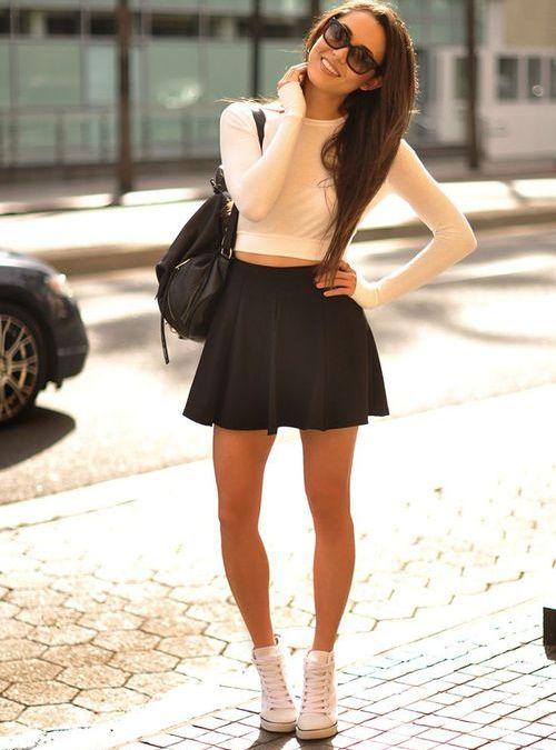 С чем носить очень короткую юбку