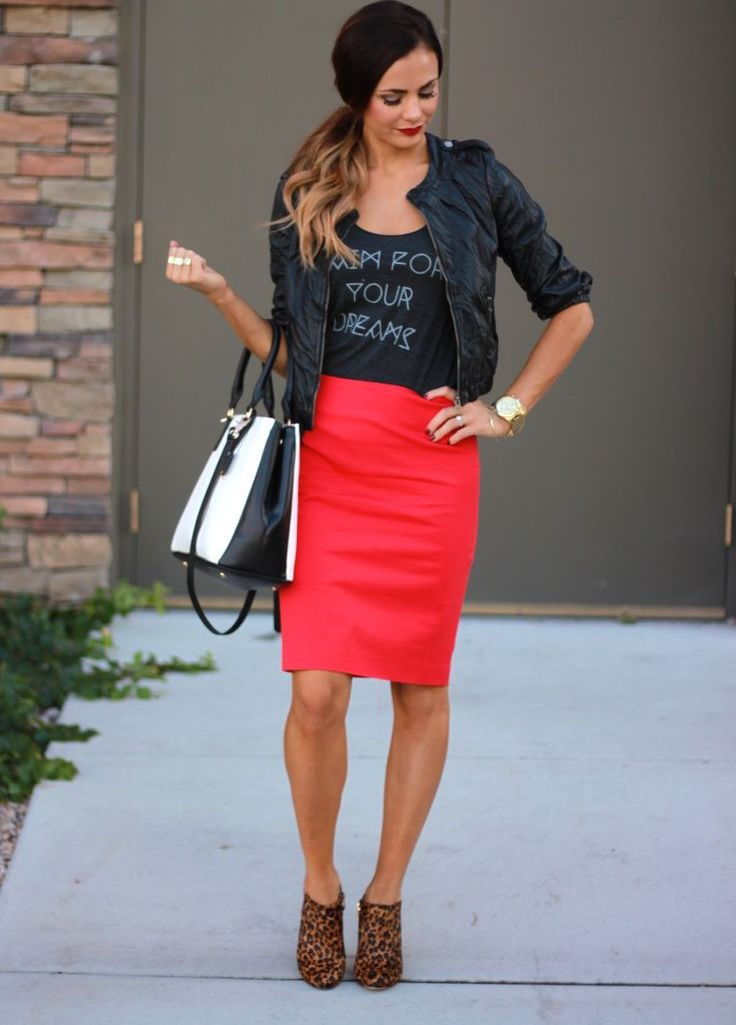 Красная юбка годе с чем носить