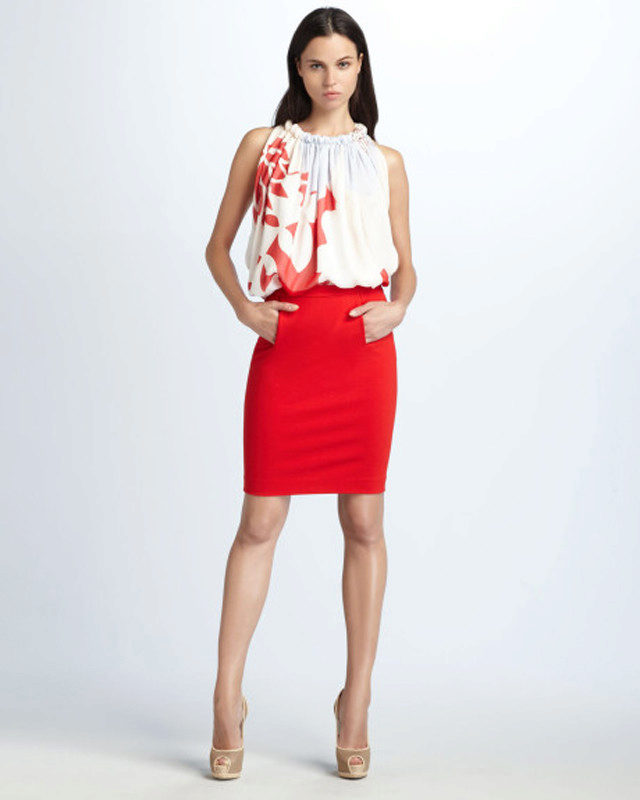 Красная юбка и красная бабочка