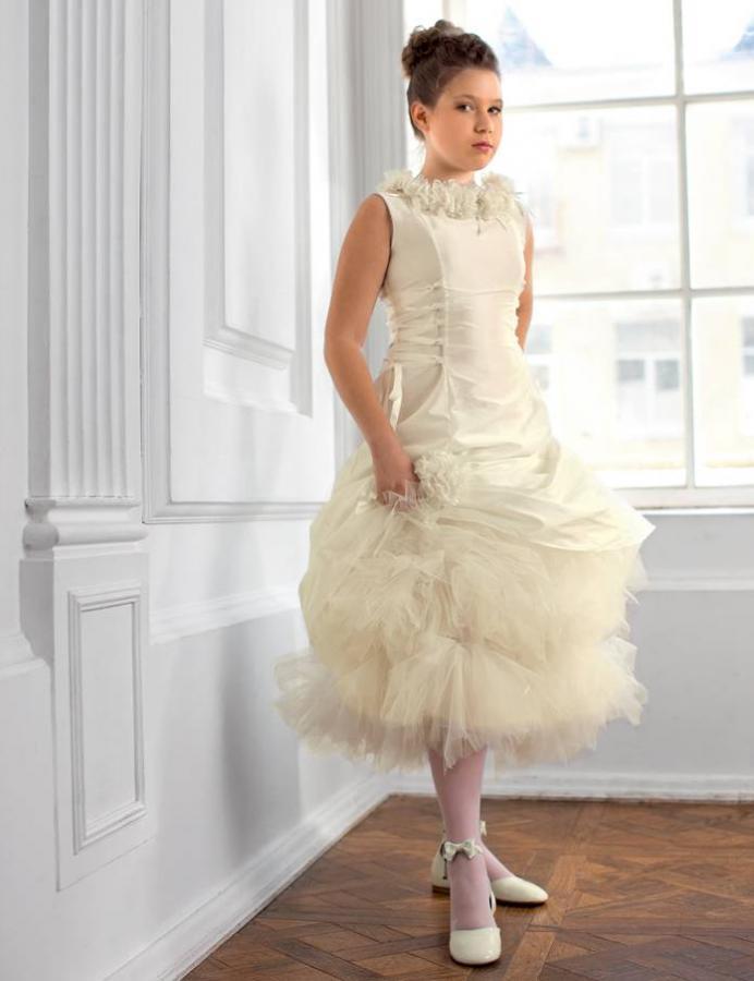 Новогоднее платье для девочки с пышной юбкой