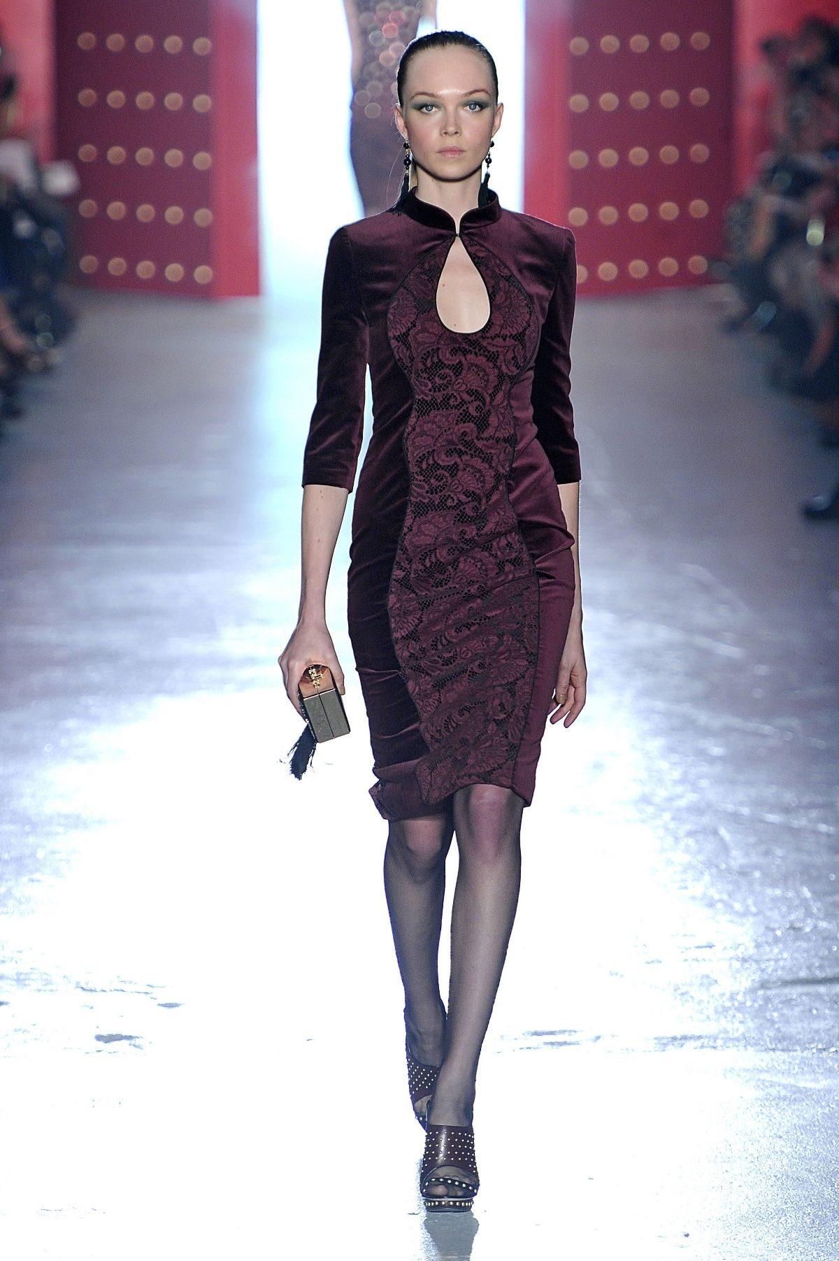Платья из велюра (57 фото)  фасоны велюровых платьев, красивые ... d1ed01292c8