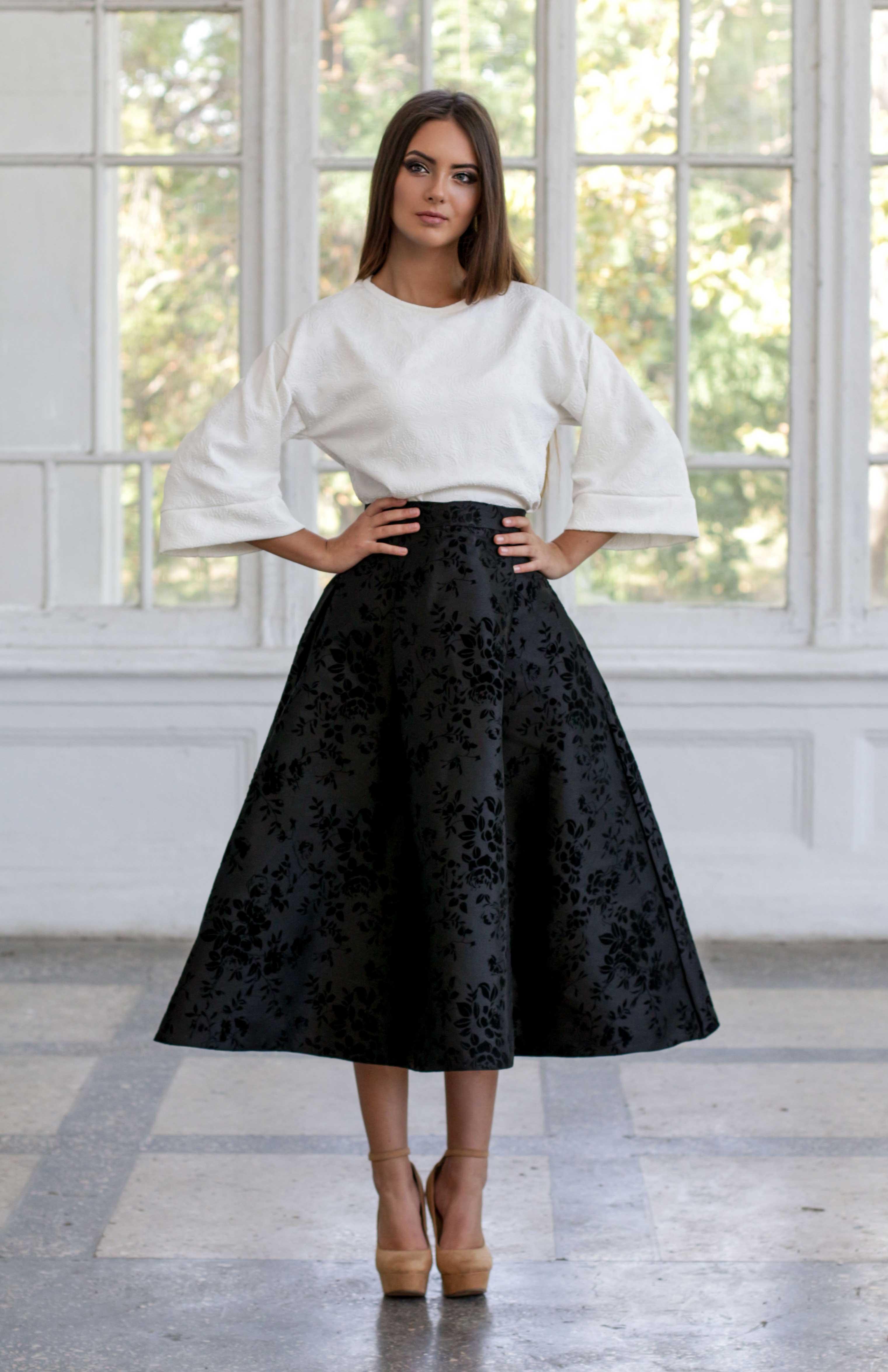 Платье черный верх и белая юбка