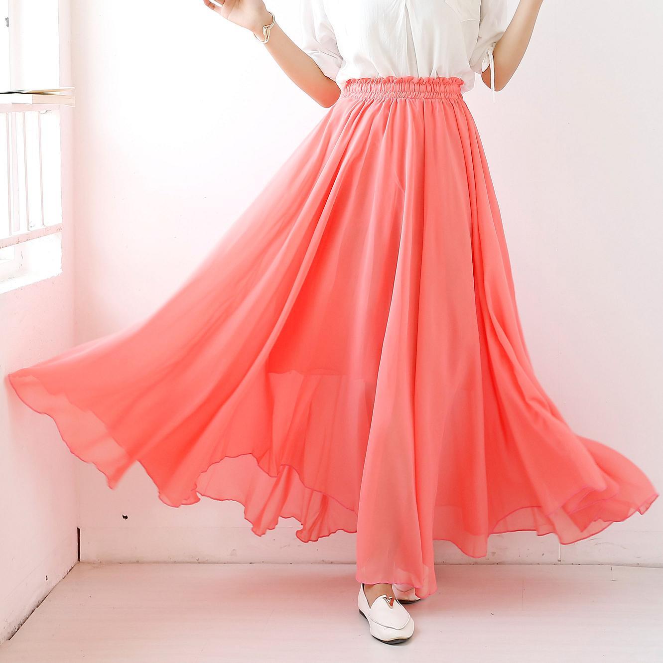 С чем носить коралловую юбку? Каким оттенкам отдать предпочтение?
