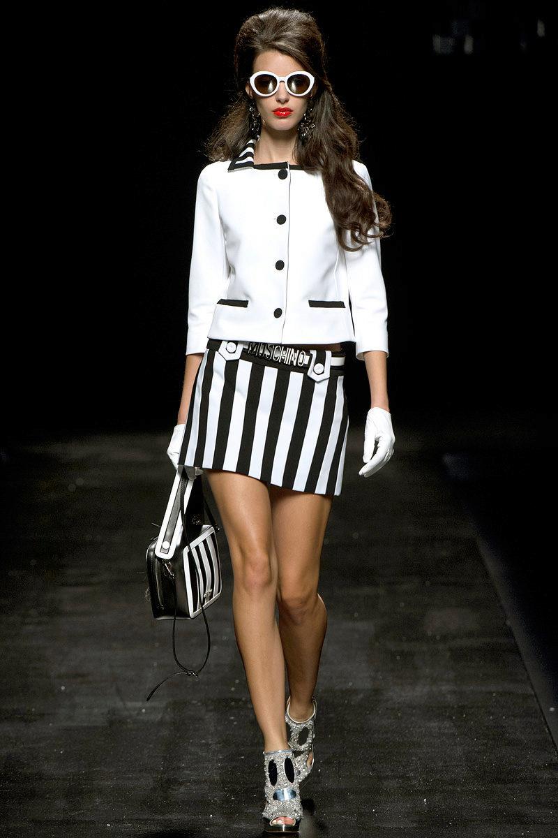черно-белая мини-юбка в полоску