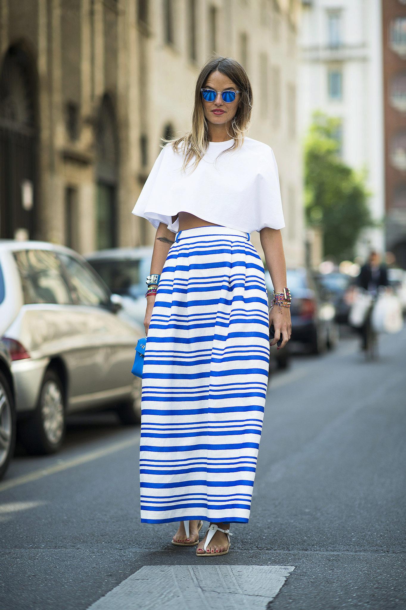 длинная юбка в сине-белую полоску