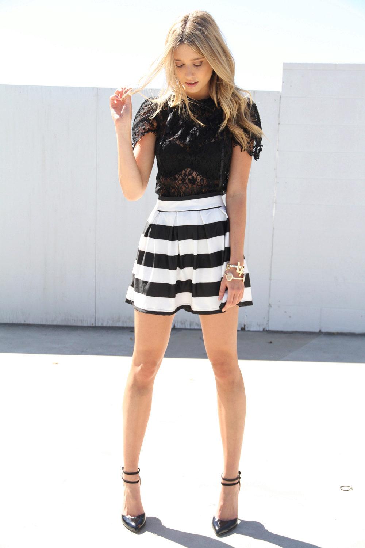 полосатая юбка с кружевным врхом