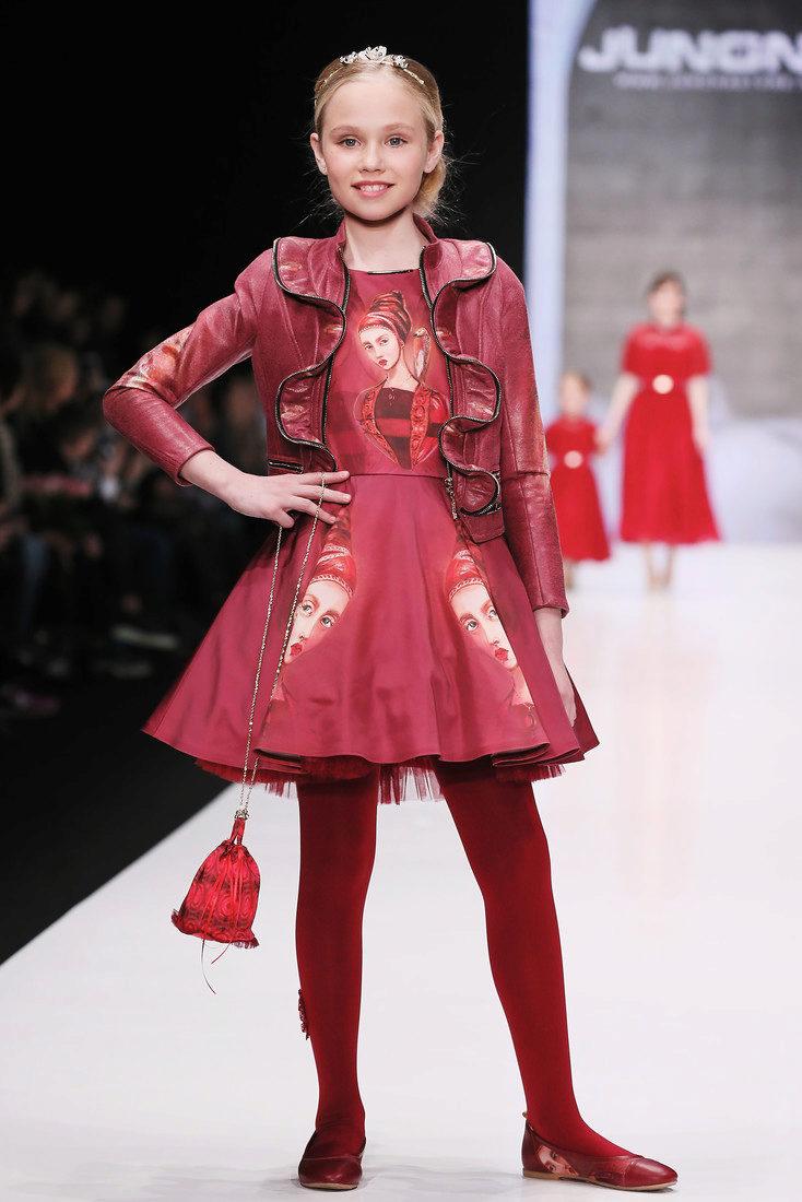 Всемирно известные дизайнеры и модельеры постоянно включают кожаные куртки  для детей в свои коллекции, и предлагают самые необычные и стильные модели  для ... f2adfb2ffd5