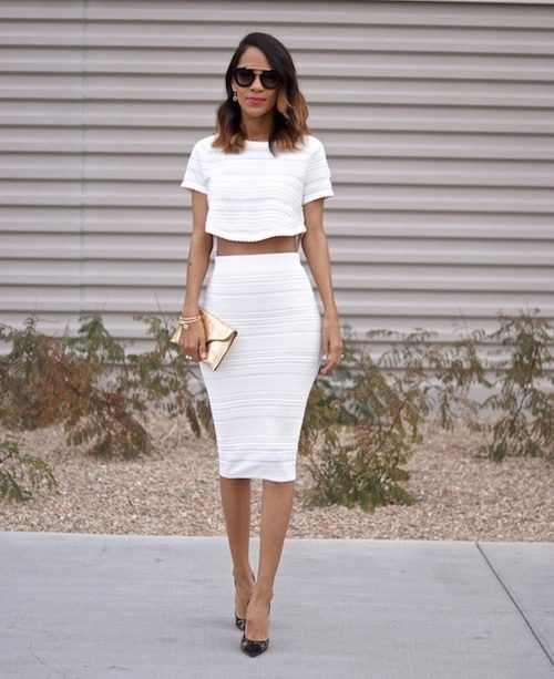 Девушка в белой обтягивающей юбки — img 2