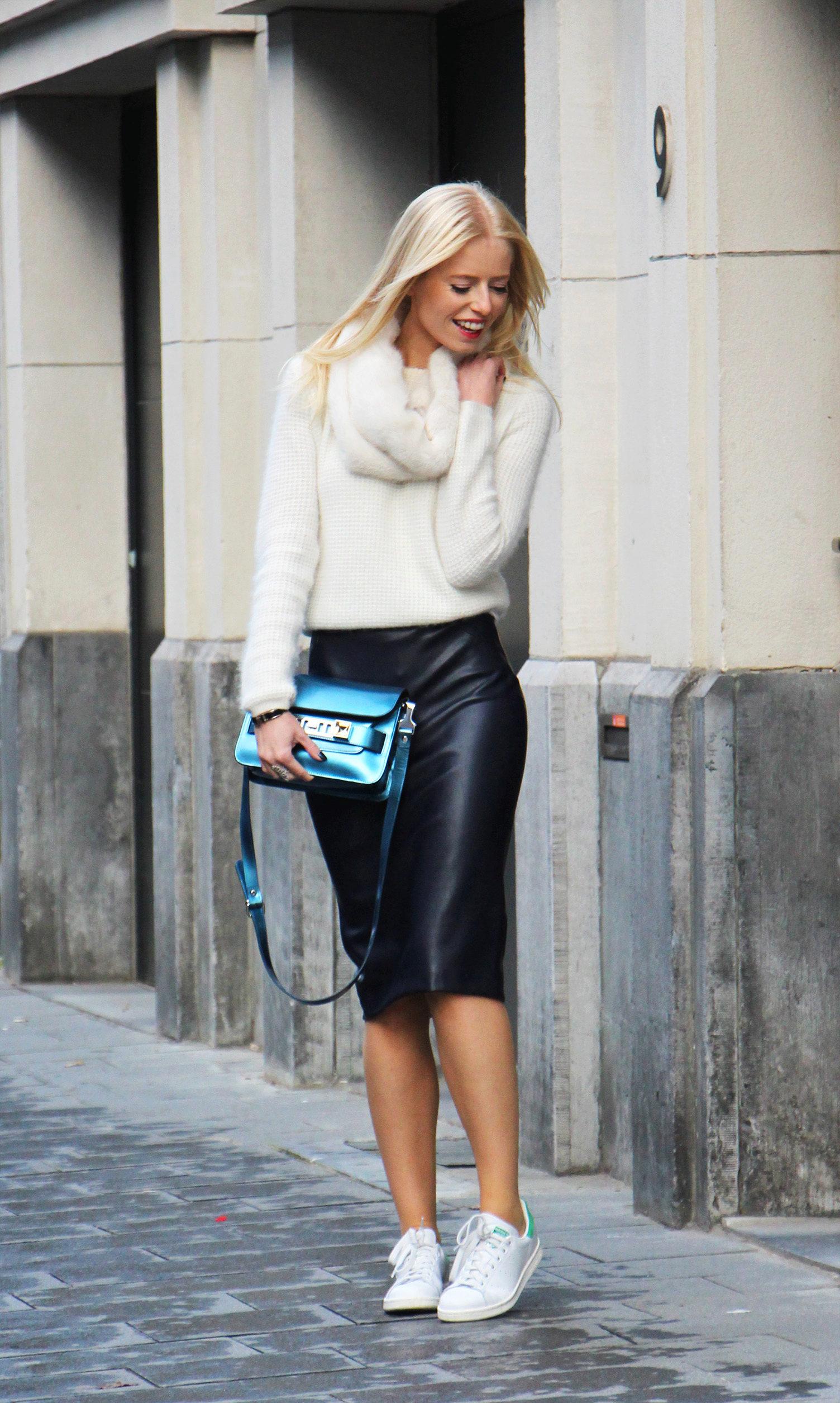 Модный женский пиджак без рукавов 50 фото  С чем носить