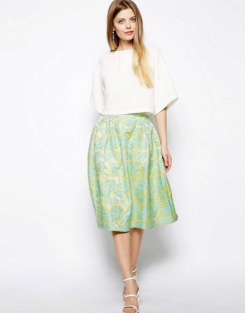 Ткань для нарядной юбки