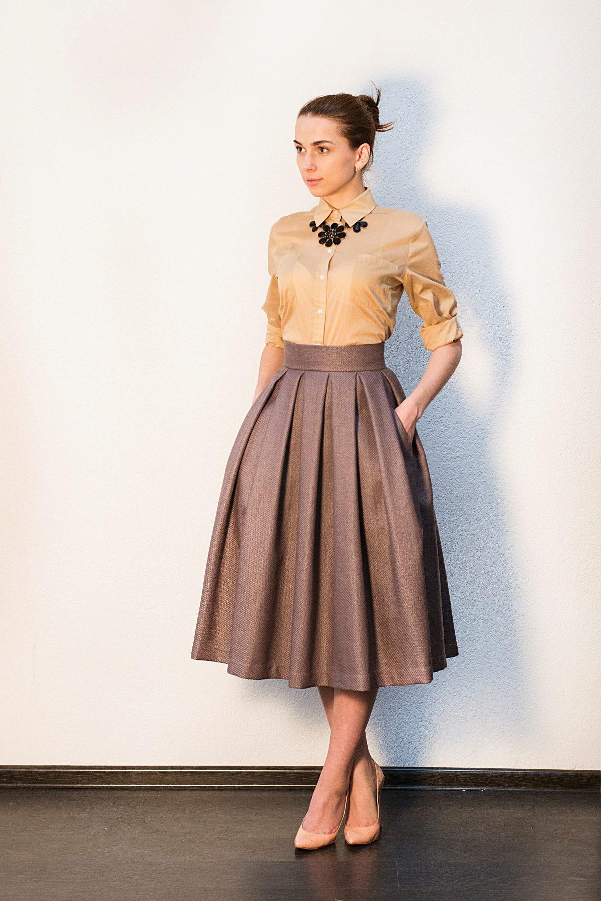 Платье в пол с юбкой в складку