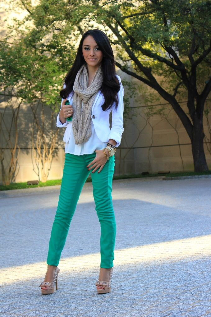 Maternity Mint green skinny jeans outfit 2017