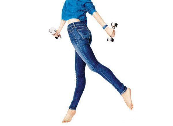Как расширить джинсы в поясе и бедрах (пошагово)