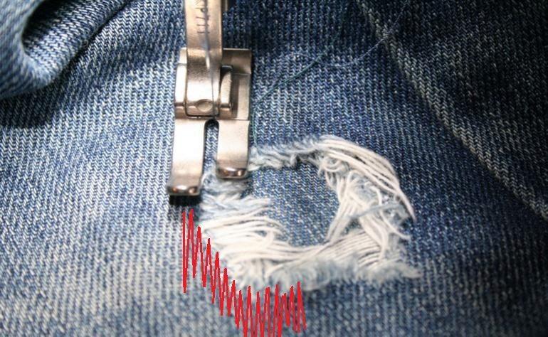Дырки на брюках своими руками фото 241