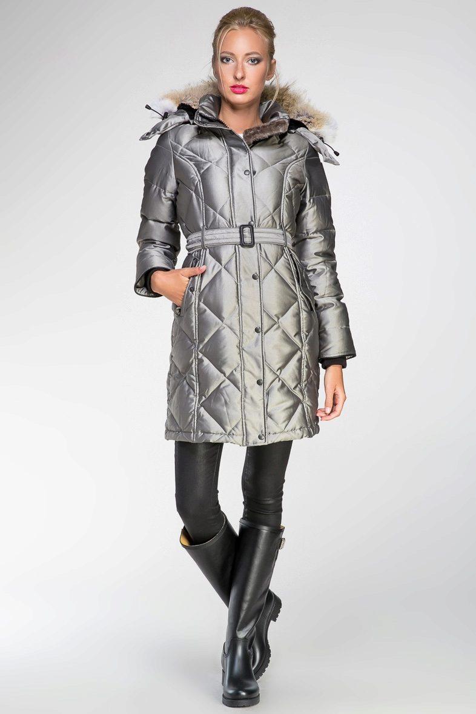 cd74f553558 Дизайнеры канадских брендов зимней одежды все время экспериментируют с  формами и декоративной отделкой. Предлагают широкий выбор как однотонных