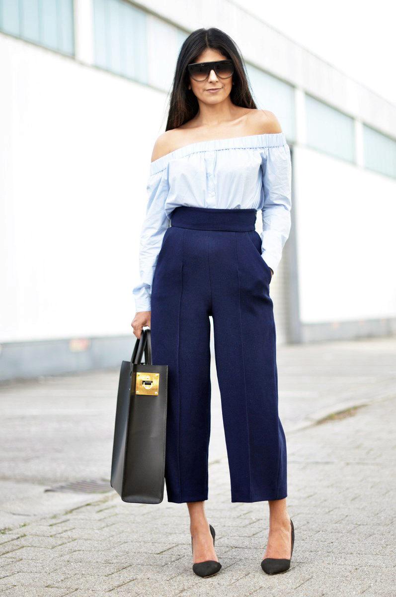 Блузка с открытыми плечами на резинке
