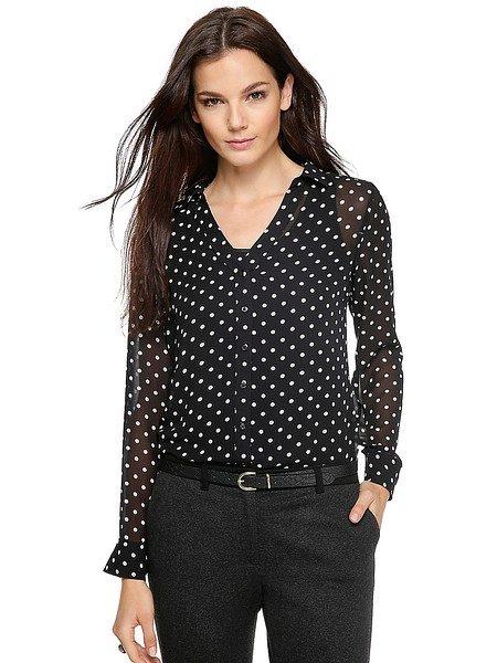 Модель блузки в горошек