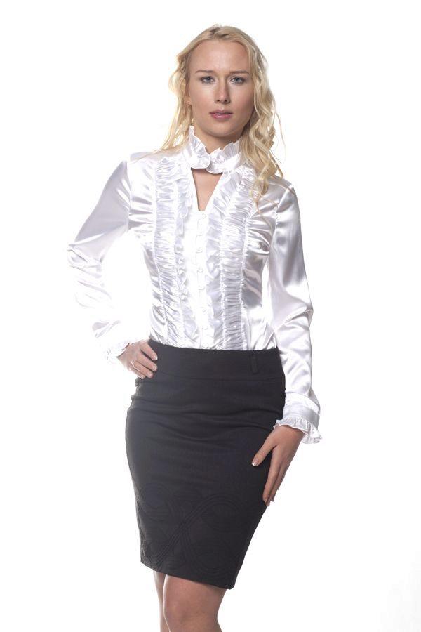 Блузка с рюшами с чем носить