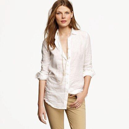 2d7661f786e Льняная рубашка представлена в приятных тонах. Сегодня в тренде модели  молочного