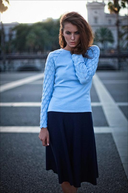 9804435d46c Голубой свитер (54 фото)  с чем носить
