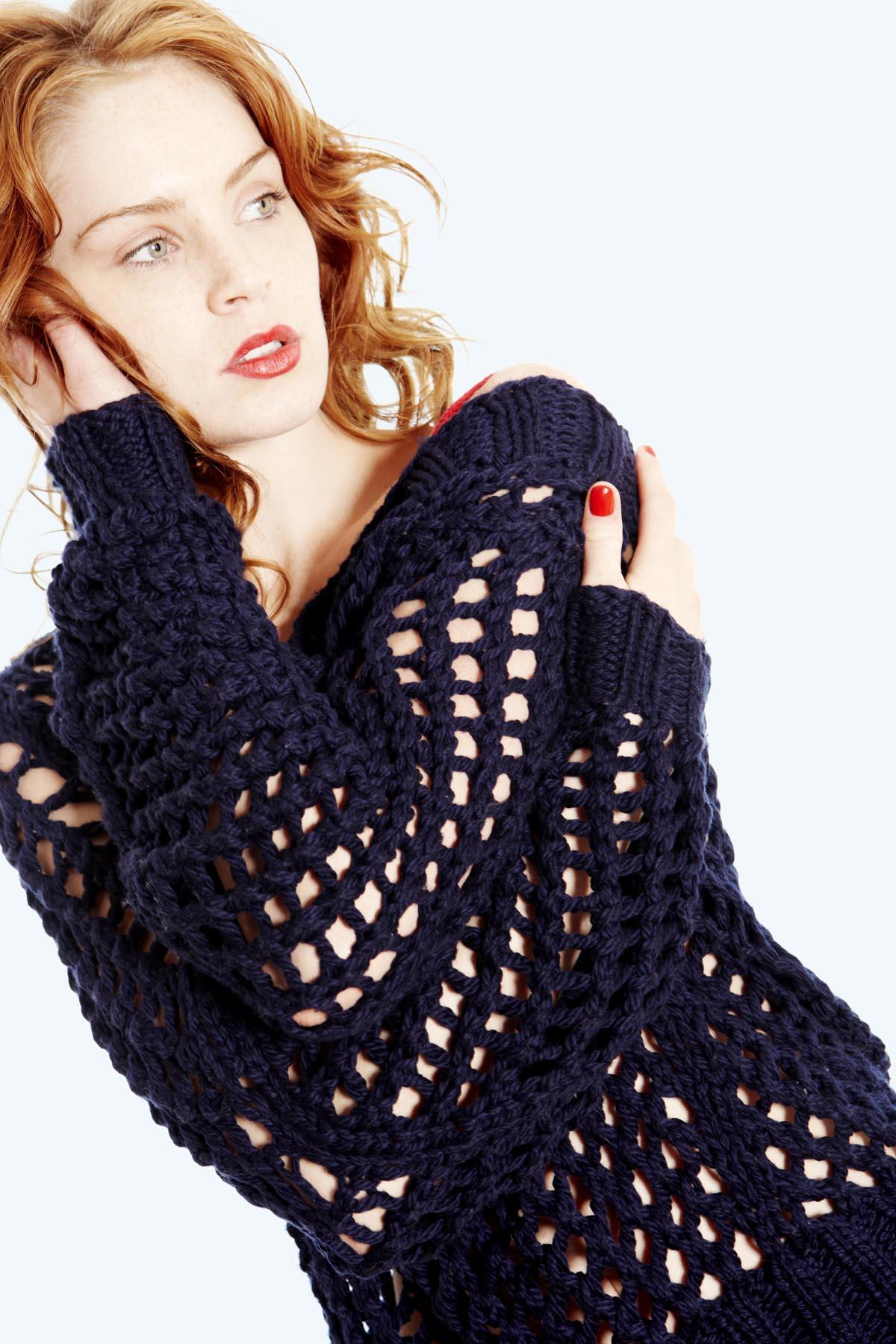 Как связать свитер в дырку