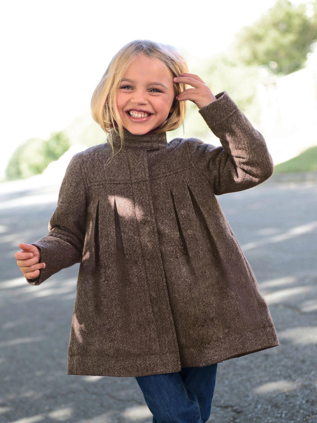 Своими руками вязаные пальто для девочки 300