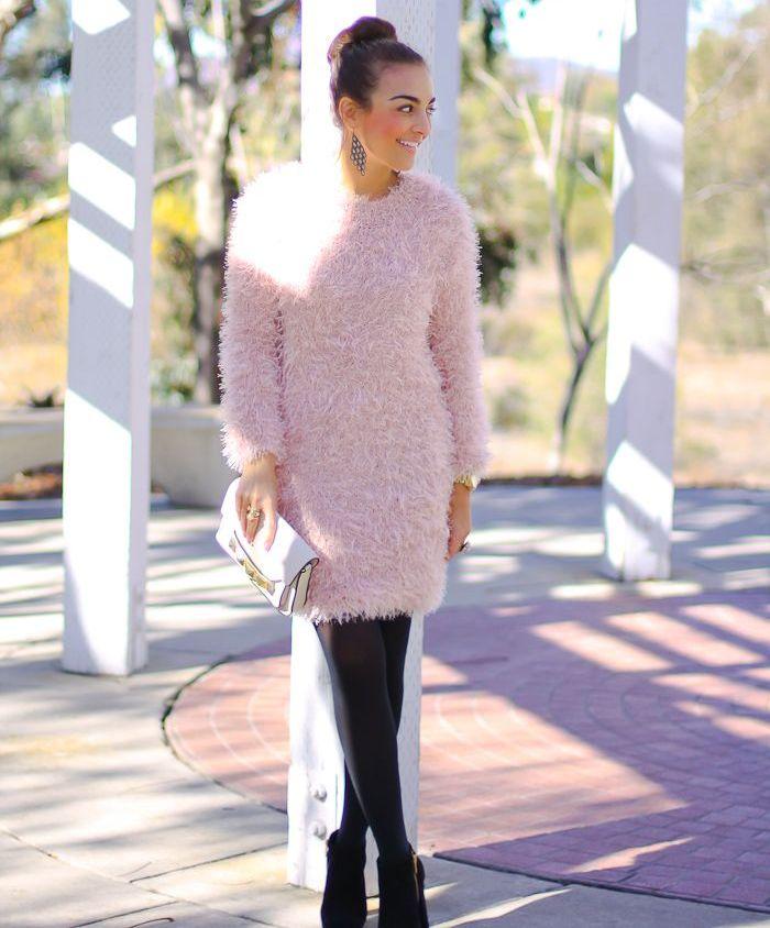 Сочетание свитера и платья