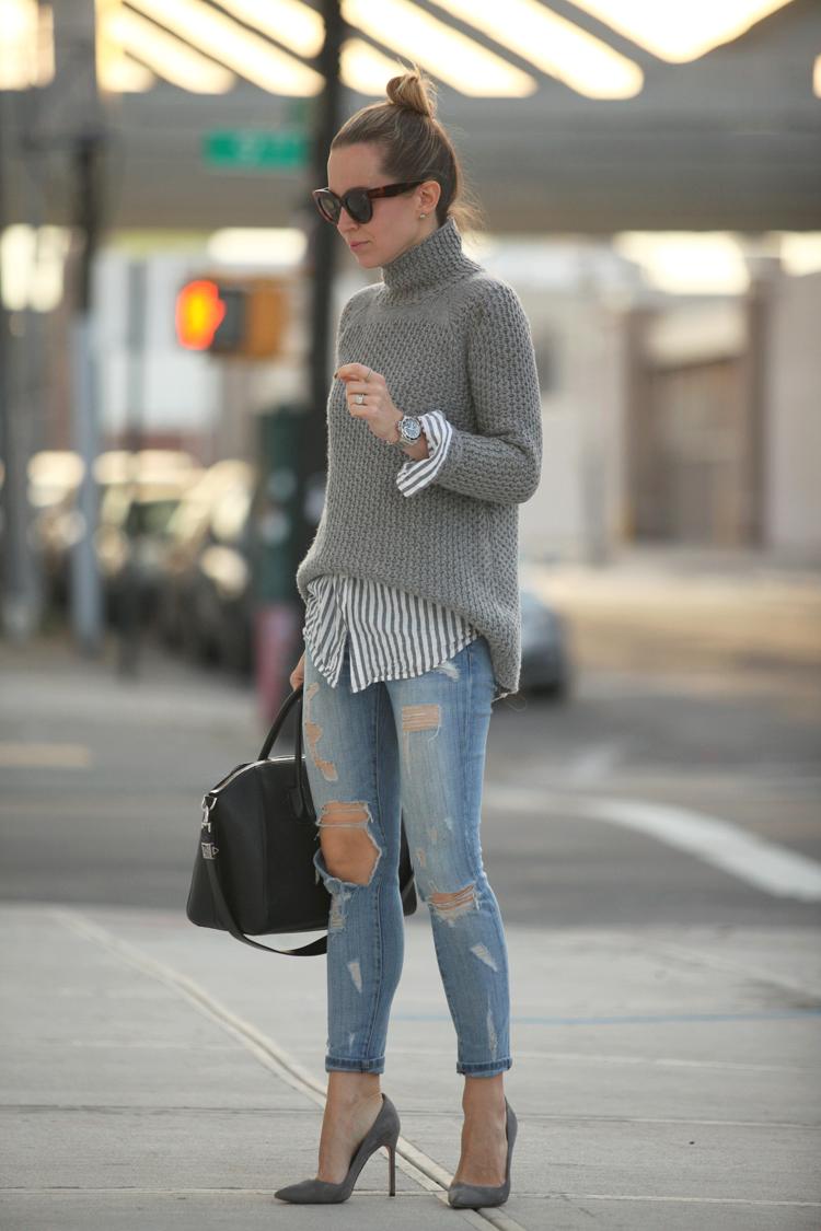Темно-серый свитер с чем носить