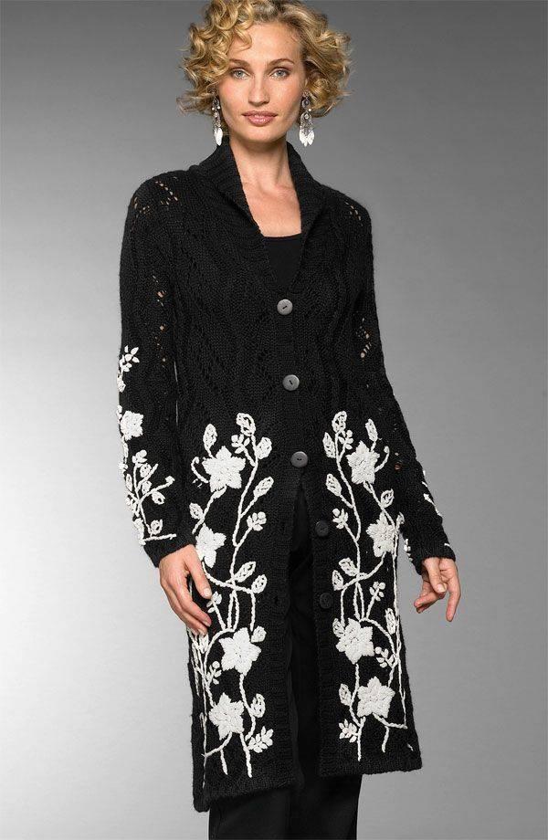 Трикотажное пальто с вышивкой 36