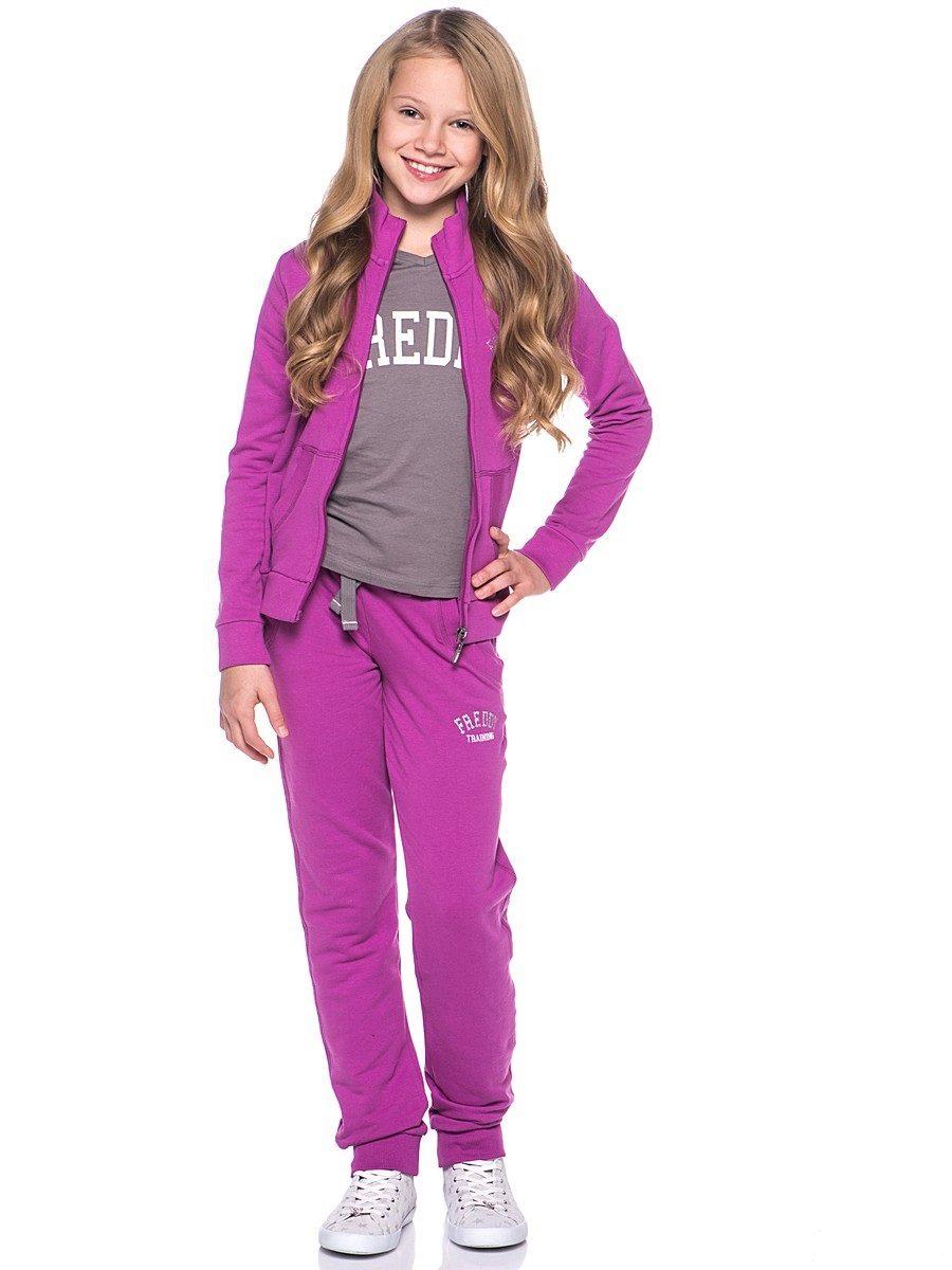 e420f4bc Одни девочки хотят носить облегающие модели, другие же, склонные к полноте,  выбирают спортивные шаровары, просторные на бедрах и ягодицах, и другие  штаны в ...