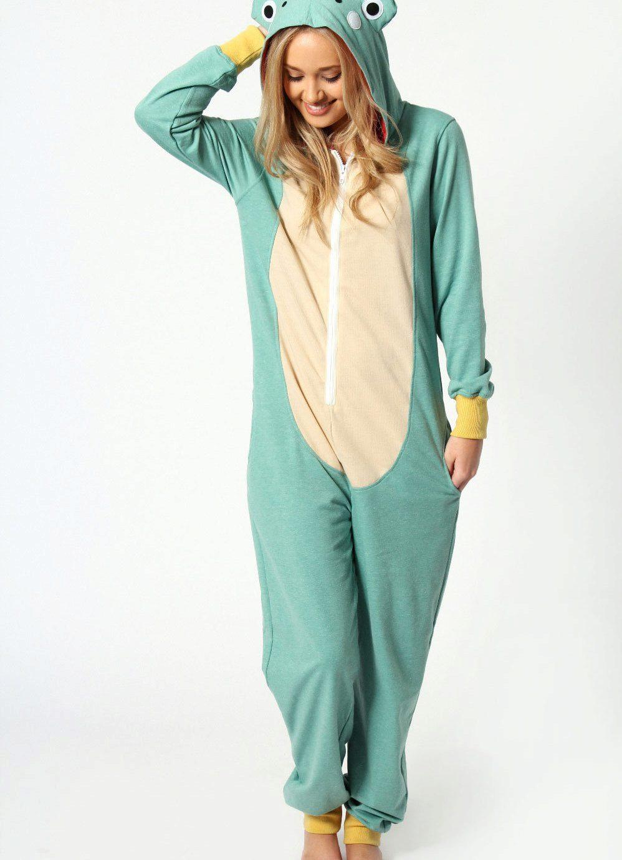 f92ae3dc97a3c Пижама-комбинезон приготовлена как раз для таких случаев. Женщина в таком  домашнем образе будет выглядеть намного привлекательнее, чем в обычном  халате или ...