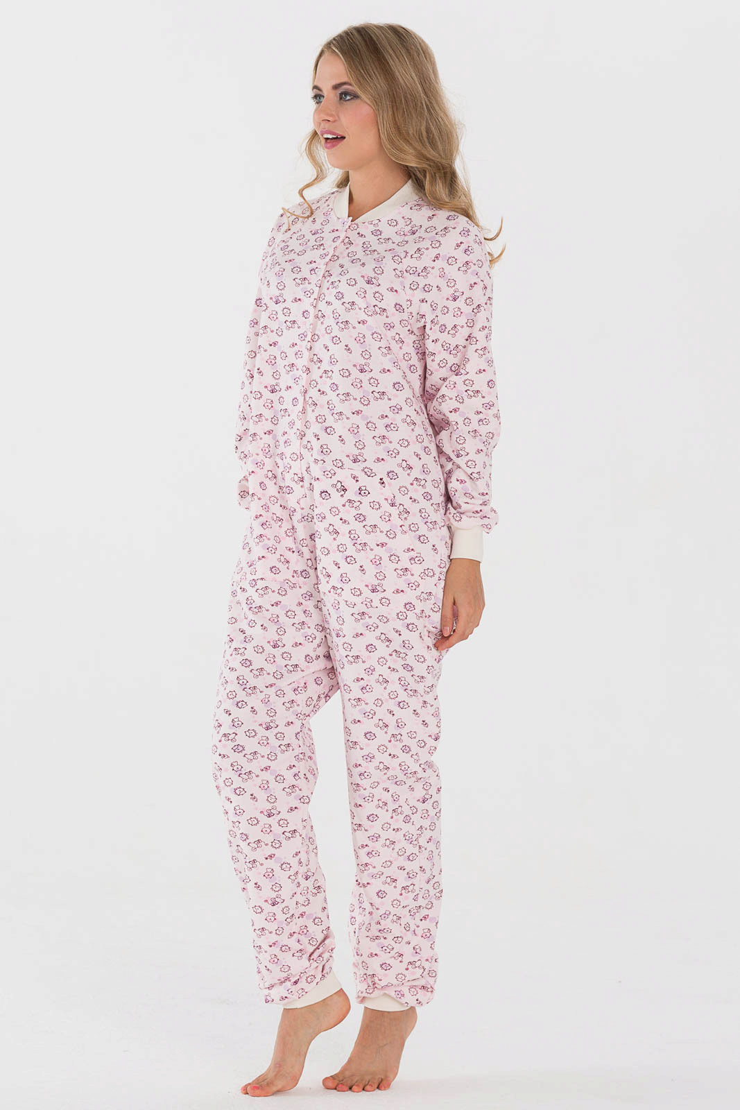 b1607f29251c3 Как уже говорилось выше, пижама цельная, а значит, во сне не будет  оголяться ни одна часть тела. Это особенно актуально для прохладных спален  в ...