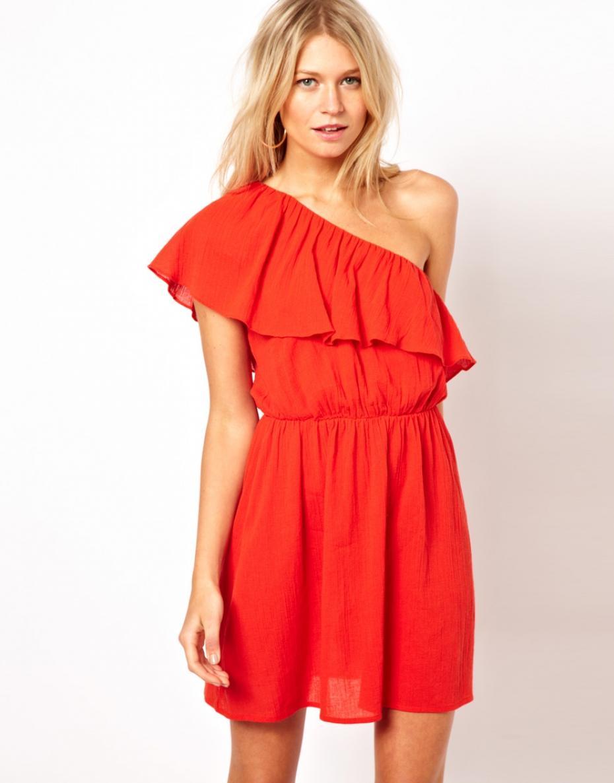 Платье с открытым плечом своими руками 563