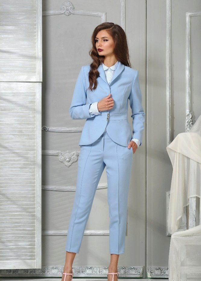 100754ef3608 Ведь ни для кого не секрет, что комплект с брюками может смотреться весьма  эффектно, празднично и стильно.