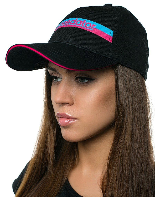 Фото девушек в чёрной кепке