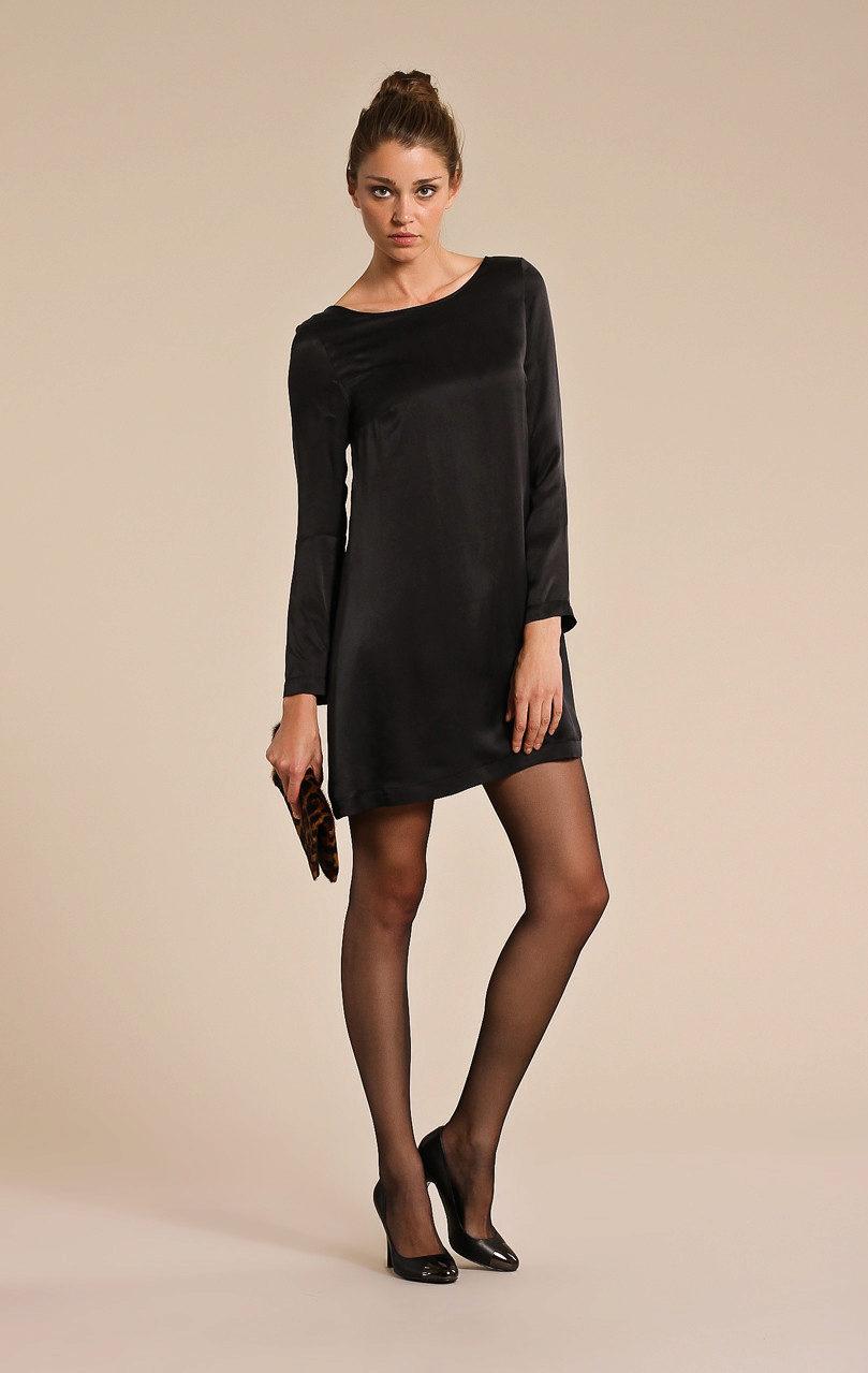 Какие колготки одеть под черное платье с чем носить