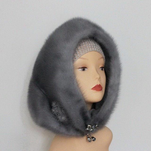 В нашем интернет-магазине представлены женские меховые шапки всех фасонов — от классических ушанок до спортивных бейсболок.
