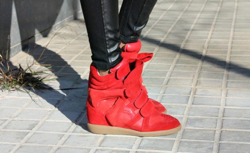 красные сникерсы с чем носить фото технологии финишной