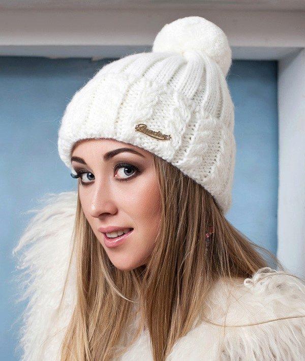 Зимние вязанные шапки спицами своими руками 44
