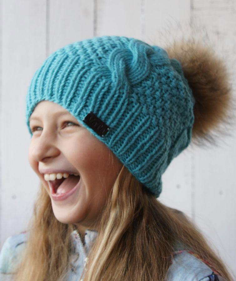 Вяжем спицами шапка с помпоном: фото и видео мастер-класс