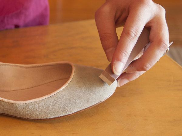 Чем почистить замшевую обувь в домашних условиях