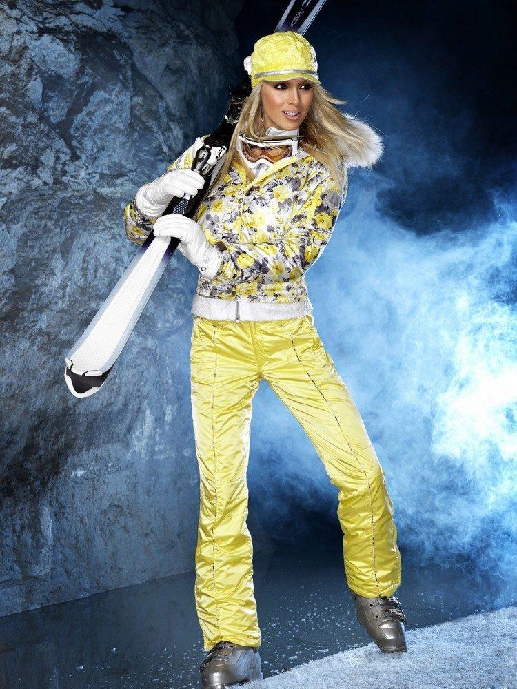 яркие горнолыжные зимние костюмы женские