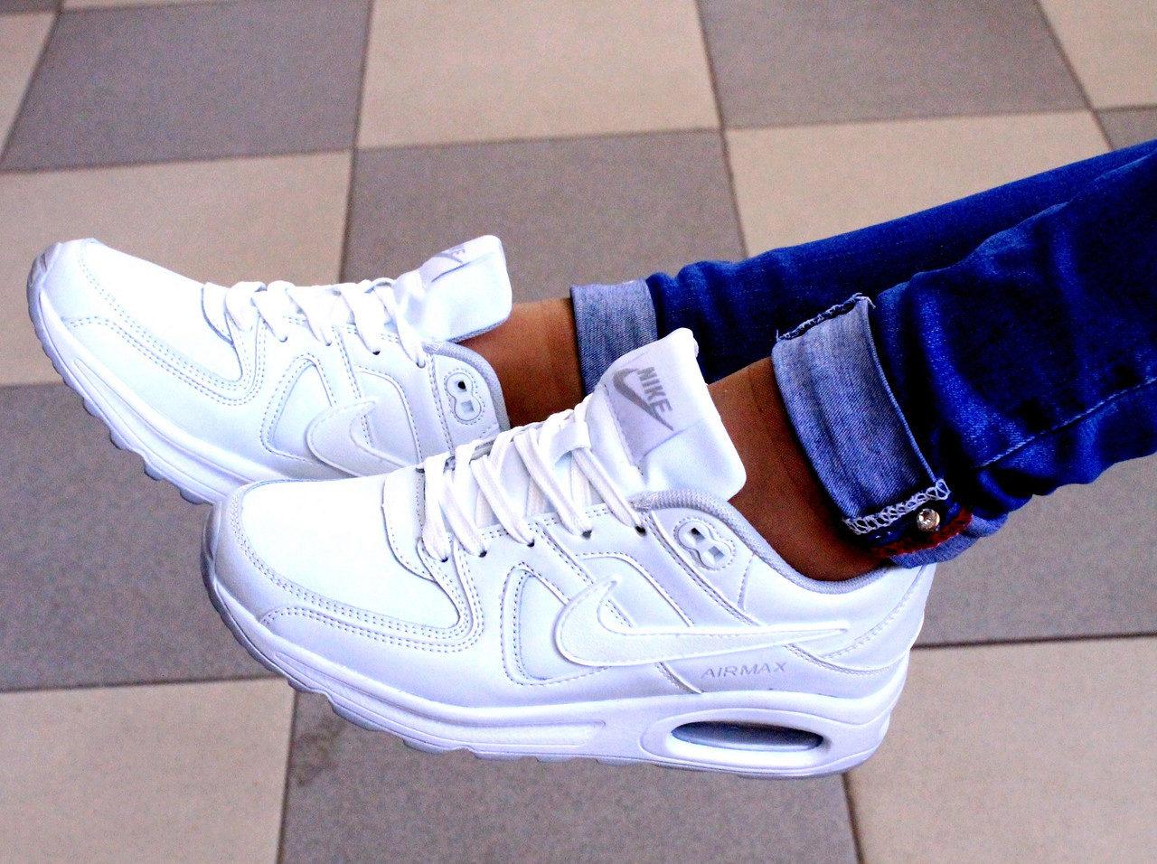 Фото женские крассовки белые
